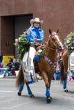 Chybienie rodeo od Oregon w Uroczystej Kwiecistej paradzie zdjęcia royalty free