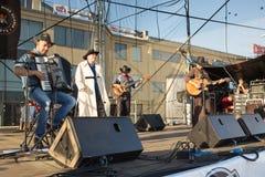 Chybienie Scania. Muzyka country koncert. Fotografia Royalty Free
