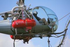Ciérrese en piloto del helicóptero Imagenes de archivo