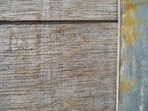 Ciérrese encima de barril de madera viejo con textura del metal Fotografía de archivo