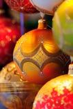 Ciérrese encima de bolas decorativas. foto de archivo libre de regalías