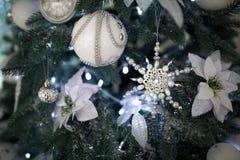 Ciérrese encima de bolas del árbol de Navidad Fotografía de archivo libre de regalías