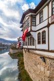 Ciérrese encima de casas viejas del otomano en Amasya Imágenes de archivo libres de regalías