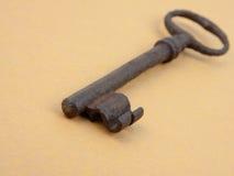 Ciérrese encima de clave gastado del metal Imagenes de archivo