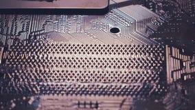 ciérrese encima de fondo de la tecnología Microprocesador de circuito electrónico en el tablero de PC almacen de video