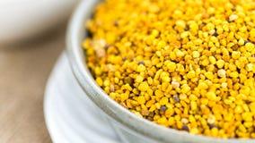 Ciérrese encima de granos del tiro del polen de las abejas Fotografía de archivo libre de regalías