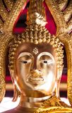Ciérrese encima de imagen del sculture de oro de Buda Fotografía de archivo libre de regalías