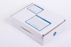Ciérrese encima de la caja de papel del correo de los posts Imágenes de archivo libres de regalías