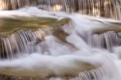 Ciérrese encima de la cascada Foto de archivo libre de regalías