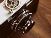Ciérrese encima de la foto de la cámara vieja del vintage Foto de archivo libre de regalías