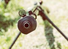 Ciérrese encima de la foto del rifle de francotirador pesado de la Segunda Guerra Mundial, pH retro Fotografía de archivo