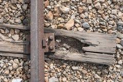 Ciérrese encima de la foto de las vías del tren en el campo de concentración de Auschwitz Birkenau fotografía de archivo libre de regalías