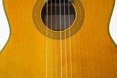 Ciérrese encima de la guitarra imagen de archivo libre de regalías