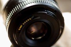 Ciérrese encima de la lente del soporte Imágenes de archivo libres de regalías