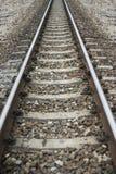 Ciérrese encima de la longitud del ferrocarril, imagen filtrada, foco selectivo imagen de archivo
