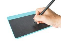 Ciérrese encima de la mano en pluma y ratón ilustración del vector