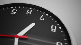Ciérrese encima de la rotación del lapso de tiempo tirada del reloj con el dial de reloj negro cantidad 4k metrajes