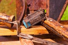 Ciérrese encima de la vista de diferentes tipos de cuchillos del apicultor Foto de archivo