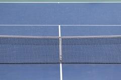 Ciérrese encima de la vista del campo de tenis Imagen de archivo