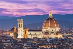 Ciérrese encima de la vista del Duomo en Florencia, Italia Foto de archivo libre de regalías