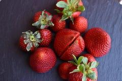 Ciérrese encima de la vista superior de las frutas de la fresa Imagen de archivo