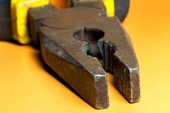 Ciérrese encima de los alicates clasificados de la herramienta del trabajo de mano Fotografía de archivo