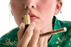 Ciérrese encima de los labios con el lápiz labial y el trazador de líneas Fotos de archivo libres de regalías