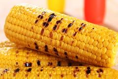 Mazorca de maíz asada a la parrilla fotos de archivo