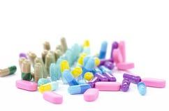 Ciérrese encima de medicina coloreada Fotografía de archivo