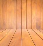 Ciérrese encima de nuevo fondo de la textura del tablón de madera de pino Imagenes de archivo