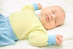 Ciérrese encima de pequeños sueños hermosos del bebé Imagen de archivo libre de regalías