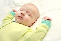 Ciérrese encima de pequeños sueños hermosos del bebé Fotografía de archivo
