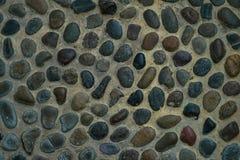 Ciérrese encima de piso de la superficie del lavado de la grava con el fondo de la lechada del cemento Fotos de archivo libres de regalías
