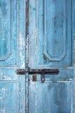Ciérrese encima de puerta de madera china imágenes de archivo libres de regalías