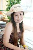 Ciérrese encima de señora asiática en el parque. Imágenes de archivo libres de regalías