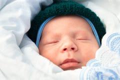 Ciérrese encima de sueños recién nacidos del bebé Fotos de archivo