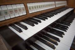 Ciérrese encima de vista de un órgano de la iglesia en Lourdes Imagen de archivo libre de regalías