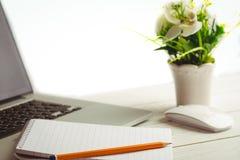 Ciérrese encima de vista de un escritorio imagen de archivo libre de regalías