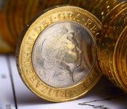 Ciérrese encima de vista del dinero en circulación británico Imágenes de archivo libres de regalías