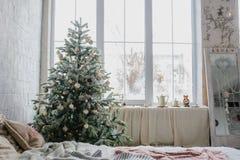 Ciérrese encima del árbol de navidad Imagen de archivo libre de regalías