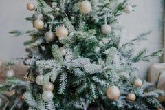 Ciérrese encima del árbol de navidad Imagen de archivo