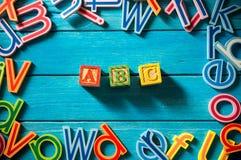 Ciérrese encima del arreglo del alfabeto Imagen de archivo libre de regalías