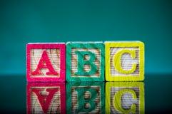 Ciérrese encima del arreglo del alfabeto del ` de ABC del ` Fotos de archivo