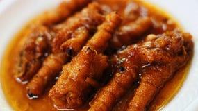 Ciérrese encima del chino asiático Dim Sum de los pies del pollo fotos de archivo libres de regalías