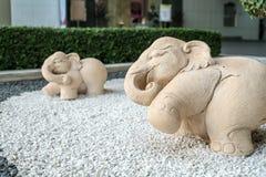 Ciérrese encima del elefante de piedra Foto de archivo libre de regalías
