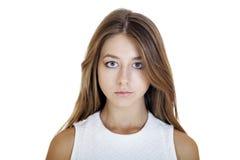Ciérrese encima del retrato de un adolescente de la chica joven Imágenes de archivo libres de regalías