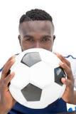 Ciérrese encima del retrato de un futbolista serio Fotos de archivo libres de regalías