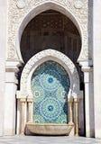 Ciérrese para arriba de arquitectura árabe Mezquita de rey Hassan II, Casablanca Imágenes de archivo libres de regalías