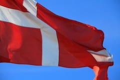 Ciérrese para arriba de bandera danesa imagenes de archivo