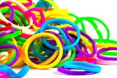 Ciérrese para arriba de color elástico colorido de las bandas del telar por completo Imagen de archivo libre de regalías